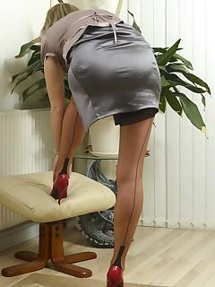 Short Skirt And Stockings Pics