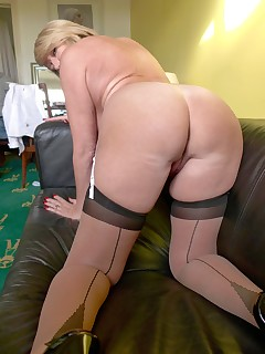Older Women In Stockings Pics